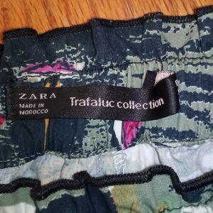 Zara fun Hawaiian print shorts drawstring pockets